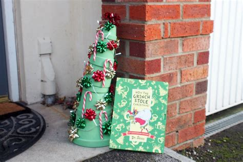 whoville christmas tree inspired    grinch stole