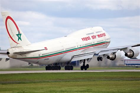 royal air maroc siege morocco on the move royal air maroc expands service as