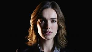 Agents of SHIELD: What the Hell Happened to Jemma Simmons ...