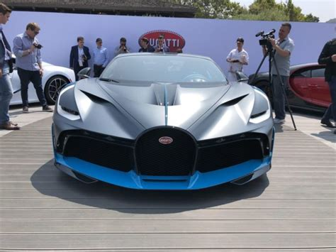 Bugatti divo is the fastest production sports car, named after french racing driver albert divo. Bugatti Divo Price, Specs, Photos and Review