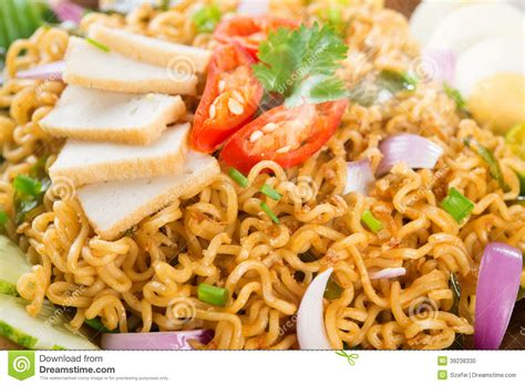 maggi cuisine up instant noodle stock photo image 39238330