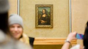 The Mona Lisa is protected by a fence that Beyoncé and Jay ...