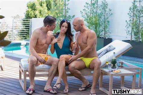 Mmf Filled In The Foamy Vacation Tushy Megan Rain In Hungry Gf Lets Dp On House