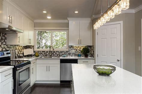White Essentials: Rage for white kitchens