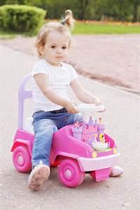 Voiture Enfant Fille : voiture de fille affordable cheap lit enfant garcon pas cher lit voiture pour fille lit voiture ~ Teatrodelosmanantiales.com Idées de Décoration