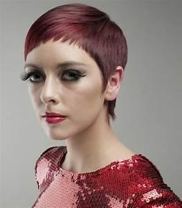 Model Coiffure Femme : coupe cheveux courte femme originale coiffures populaires ~ Medecine-chirurgie-esthetiques.com Avis de Voitures