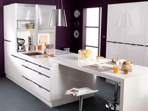 table bar cuisine design bar de cuisine design qui prolonge une plaque de cuisson