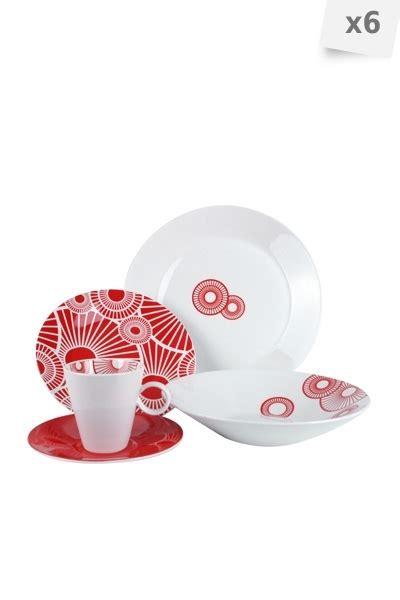 service assiette rouge design en image