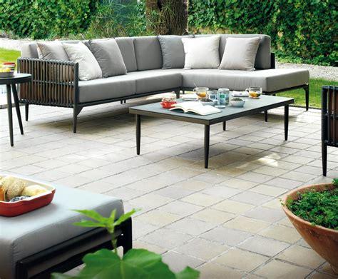 canape pour exterieur un canapé de jardin bras droit modulable pour un été tout
