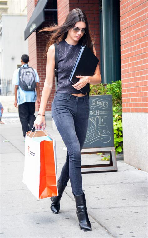 Hereu0026#39;s What Kendall Jenner Wore to a NYFW Model Casting | WhoWhatWear.com