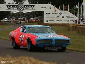 Richard Automobile : 1972 dodge charger nascar race car sports richard petty racing track wallpaper 1920x1440 ~ Gottalentnigeria.com Avis de Voitures