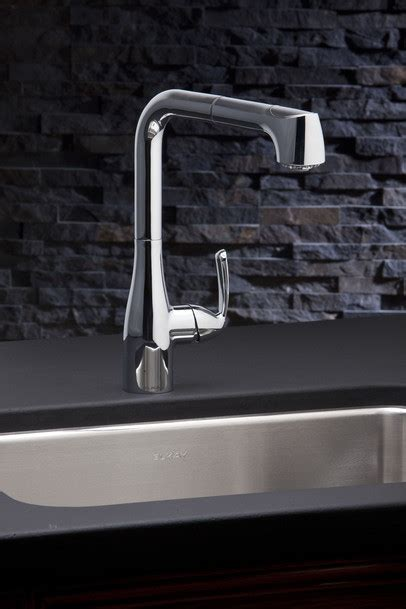 Elkay LKLFGT2041 Single Lever Pull Out Kitchen Faucet with