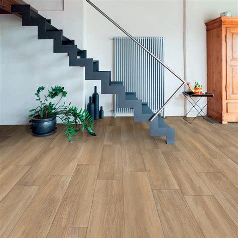 pavimenti di gres porcellanato pavimento effetto legno in gres porcellanato 17x80 colore