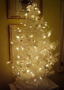 A Feather Christmas Tree for the Guest Room