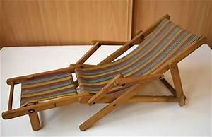 Tissu Chaise Longue : ancienne chaise longue pour poup e ou baigneur elle est en bois et tissu une fois ouverte ~ Teatrodelosmanantiales.com Idées de Décoration