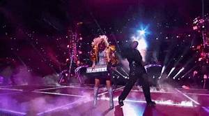Lady Gaga Halftime Show: 19 GIFs to Remember - Page 2 ...