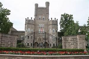 Eastern Illinois U union skips pay raise to save 29 jobs ...