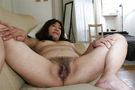Mature Asian Mom Pussy Naked Photo