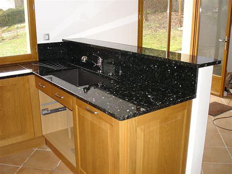 hauteur plan travail cuisine intérieur granit plan de travail en granit labrador vert