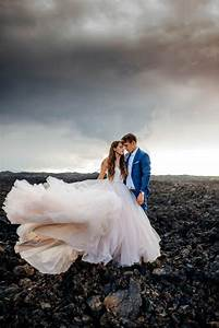 Rugged Hawaiian Wedding Photos on the Big Island Junebug