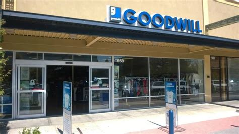 concord store goodwill 16 photos 40 reviews thrift stores 1659 willow pass rd concord ca phone