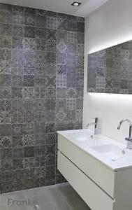 Badezimmer Fliesen Ideen Mosaik : betonlook mit ornamenten betonlook badezimmer beton ~ Watch28wear.com Haus und Dekorationen