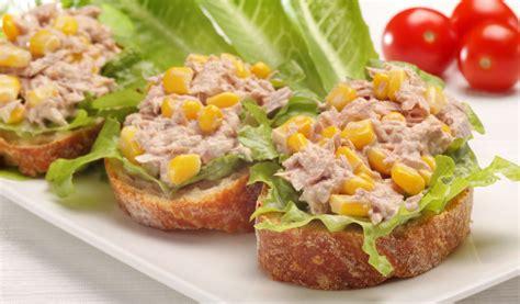 Receptes.lv - Makaronu un tunča salāti ar kukurūzu