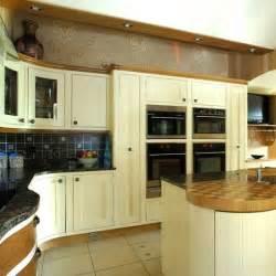 shaker kitchen ideas wooden shaker kitchen shaker kitchens kitchen design ideas photo gallery