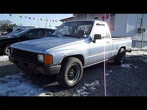 Pick Up Hilux : 1987 toyota pickup hilux start up exhaust and in depth tour youtube ~ Medecine-chirurgie-esthetiques.com Avis de Voitures
