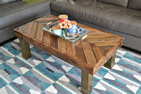 We just love our reclaimed wood projects. DIY Pallet Coffee Table - HashtagBlessed