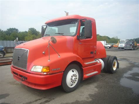 2000 volvo tractor for sale 2000 volvo vnm42t single axle day cab tractor for sale by