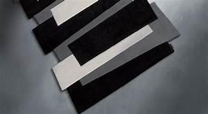 tapis de couloir noir et blanc pebbles par angelo With tapis couloir avec canapé en 3 fois sans frais