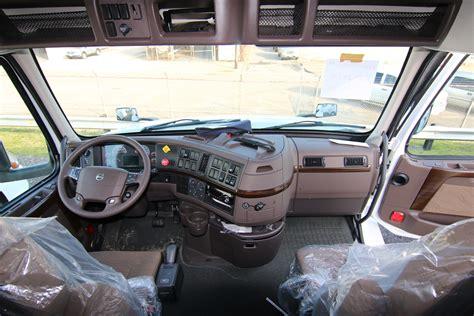 volvo truck vnl  truck  sale legacy