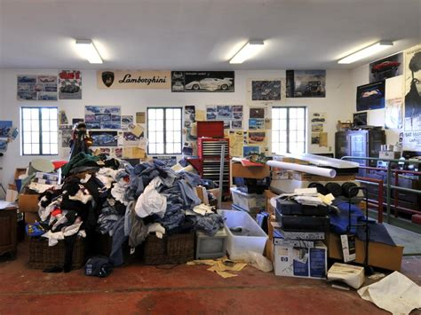 Bills Garage by Fit For A King Leno S Car Collector S Garage Diy