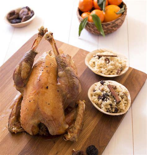 comment cuisiner un poulet chapon facile farci aux fruits secs cuisson au four