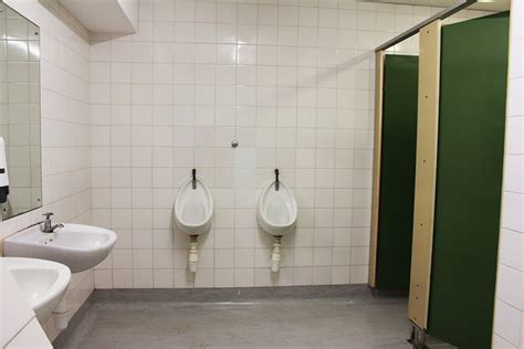 Gender Neutral Bathrooms by Mixed Reactions To Uct S Mixed Bathrooms The Daily Vox