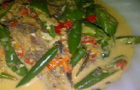 Resep mangut lele ini bisa menggunakan lele goreng ataupun lele asap. Resep Mangut Lele Mataram - Dapur Teh Enur