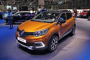 Renault Captur Initiale Paris 2017 : salon gen ve 2017 renault captur restyl et initiale paris diaporama photo ~ Medecine-chirurgie-esthetiques.com Avis de Voitures