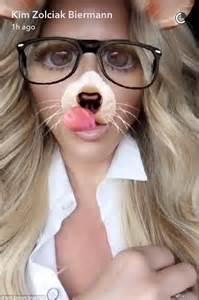 kim zolciak  glamorous   plays  snapchat