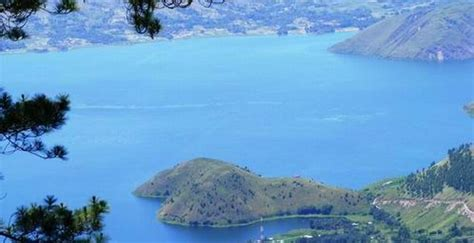 keindahan danau toba objek wisata  sumatera utara