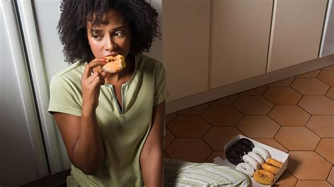 8 Ways To Stop Stress Eating Now