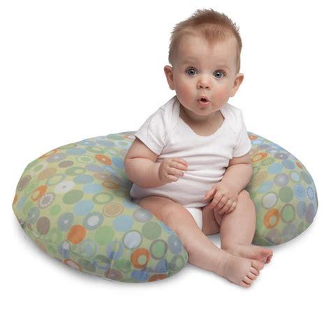 Top 5 Best Baby Nursing Pillows On Amazon