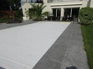 terrasse en carrelage autour d39une piscine contemporain With carrelage terrasse piscine exterieure