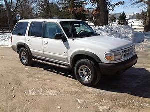 Purchase Used 2000 Ford Explorer Xls 4x4 No Reserve Suv In