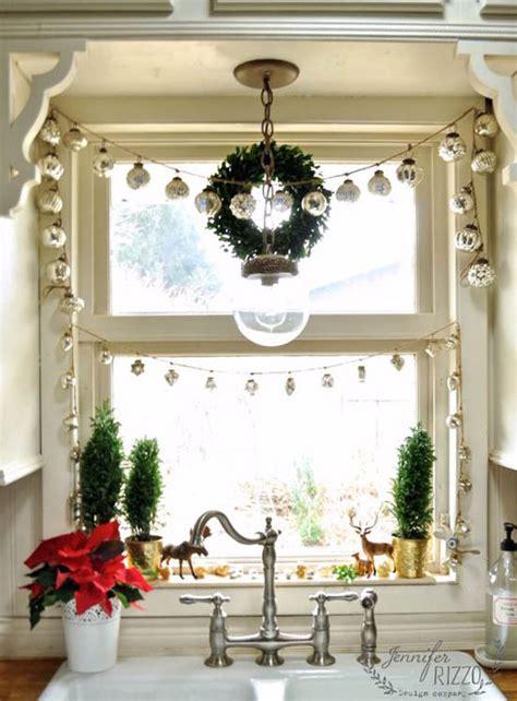 stunning christmas window decorations ideas