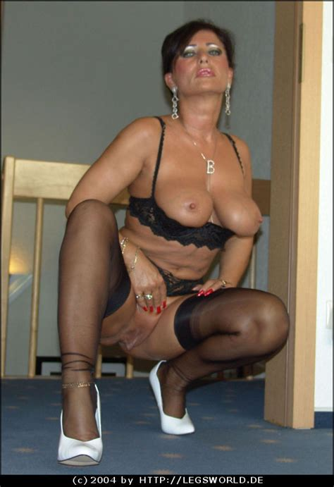 Lady Barbara In Black Stockings And White Heels Pichunter