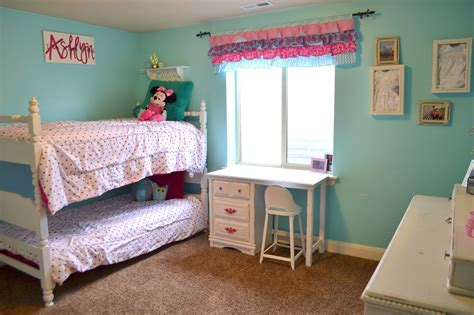 Hot Pink And Turquoise Girls Bedroom