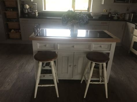 kitchen island with 4 chairs kitchen island with four bramley stools for