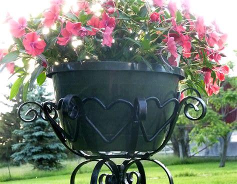 memorial planter century farm crafts
