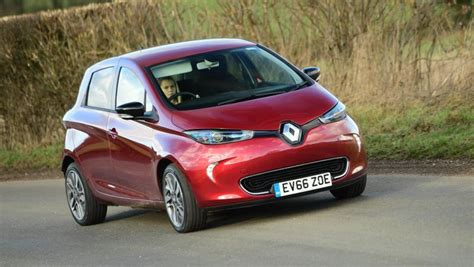 renault zoe charges in to tackle range anxiety connacht tribune